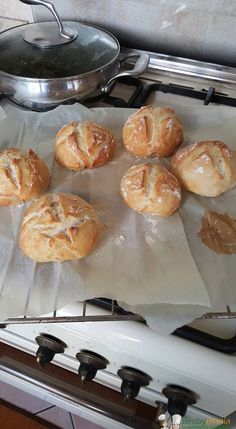 """Ciriole Bimby, o """"panini croccanti di renato"""" :) Buoni, soffici e croccanti. Cosa c'è di meglio dell'odore del pane che diffonde per tutta casa??? Ingredienti:"""