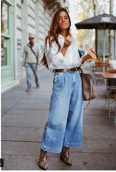 boho street style Flared vintage denim white long sleeve blouse classic looks Fashion Mode, Look Fashion, Denim Fashion, Fashion Outfits, Fashion Trends, Classy Fashion, Petite Fashion, 80s Fashion, French Fashion