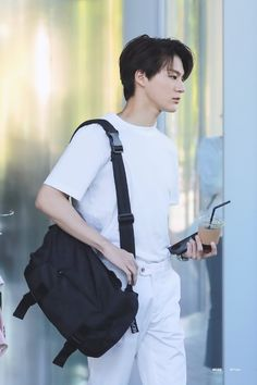 """""""The art of dying is the art of living. The honesty and grace of the … # Teen Fiction # amreading # books # wattpad Lucas Nct, Taeyong, Jaehyun, Nct Dream, Nct 127, Johnny Seo, Jeno Nct, Na Jaemin, Fandoms"""