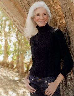 Valerie <72 year old model >