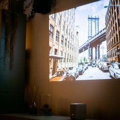 映画鑑賞のために購入したら、それ以上に使えてビックリ! | TABI LABO Home Theater, New Life, My Room, Presentation, Interior, Ideas, Home Theaters, Indoor, Interiors