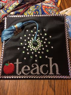 Graduation cap for teachers Graduation 2016, Graduation Cap Designs, Graduation Cap Decoration, Graduation Pictures, Elementary Teacher, School Teacher, College Crafts, Abi Motto, Grad Hat