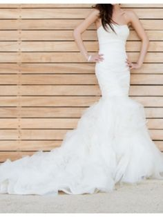 Search Used Wedding Dresses & PreOwned Wedding Gowns For Sale 2nd Wedding Dresses, Wedding Dress Sizes, Bridal Dresses, Wedding Hair, Wedding Stuff, Vera Wang Bridal, Wedding Dress Accessories, Dream Dress, Mermaid Wedding