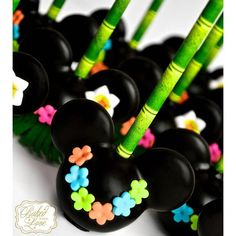 Mickey Mouse Luau Cake Pops