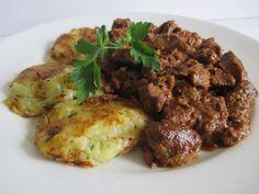 Marhapörkölt jó sűrű szafttal - köretnek illik hozzá főtt krumpli, tarhonya, vagy akár dödölle - de semmiképpen sem nokedli! Beef, Chicken, Google, Meat, Steak, Cubs