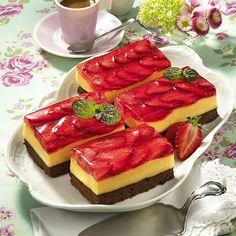 Erdbeerschnitten Fürst Pückler Rezept | LECKER Nutrition Plans, Cheesecake, Baking, Party, Desserts, Food, Muffins, Youtube, Strawberries