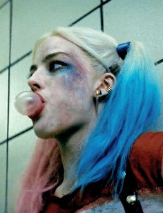 Margot Robbie/Harley Quinn gif...just damn! #suicidesquad