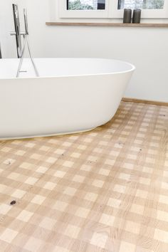 Overview of all references from mafi natural wood floors. See for yourself the benefits of using mafi natural wood floors in private as well as business areas! Natural Wood Flooring, Clawfoot Bathtub, Floors, Bathrooms, Carving, Wellness, Oil, Shower, Country
