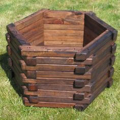 Amazing wooden garden planters ideas you should try 05 - Round Decor Amazing wooden garden planters Large Wooden Planters, Large Outdoor Planters, Wooden Garden Planters, Wooden Planter Boxes, Flower Planters, Brick Garden, Contemporary Planters, The Plan, Garden Boxes