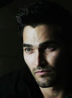 Ooh! could this man be any hotter...?prob not! Tyler Hoechlin - Derek Hale from Teen Wolf soo SEXY!!!