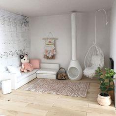 48 vind-ik-leuks, 10 reacties - Carolien (@skattich_speelgoed) op Instagram: 'Op zondag lekker hangen voor de tv ☺️ Dit is mijn nieuwe loungebank. Als je de foto's slide kun je…'