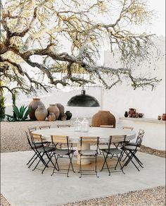 Outdoor Rooms, Outdoor Dining, Outdoor Decor, Natural Furniture, Outdoor Furniture Sets, Exterior Design, Interior And Exterior, Studios, Modern Minimalist