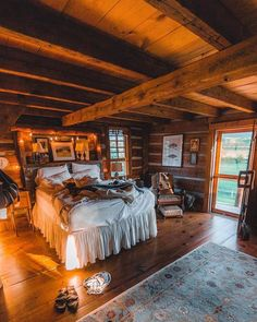 Would you live here? Follow @cabinsdaily for more! By @kylefinndempsey | http://pieceofwilderness.com
