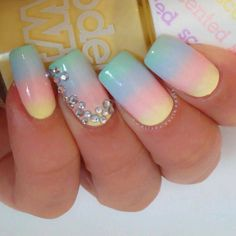 Beach nails, Beautiful nails 2016, Beautiful summer nails, Color transition nails, Gentle summer nails, Manicure by summer dress, Nails with rhinestones, Ombre nails