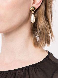 1cfb2267a64 26 meilleures images du tableau Boucles d oreilles Chanel pas cher ...