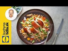 Chrumkavá kačica na ázijský spôsob s restovanou ryžou | Roman Paulus | Kuchyna Lidla - YouTube Roman, Kitchen, Youtube, Cooking, Kitchens, Cuisine, Youtubers, Cucina, Youtube Movies