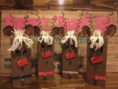 Rustic reclaimed wood reindeer, wood reindeer, rustic christmas decor, wood rudolph, christmas decorations Source by elanguedoc Holiday Wood Crafts, Wooden Christmas Decorations, Reindeer Decorations, Christmas Projects, Holiday Crafts, Winter Wood Crafts, Small Christmas Trees, Christmas Signs, Rustic Christmas