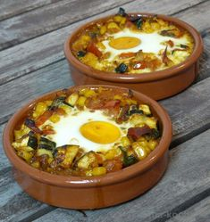 # Food and Drink appetizers families Tapas - Bunte Flamenco-Eier - Katha-kocht! Vegetarian Comfort Food, Vegetarian Appetizers, Healthy Comfort Food, Vegetarian Recipes, Vegetarian Tapas, Soup Appetizers, Tapas Spain, Tapas Party, Tapas Dishes