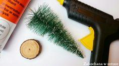 Choinka ze szczotki do mycia naczyń?  Ha!  Można?  Można!   #choinka #christmastree #christmas #bożenarodzenie #diy #christmasdiy #christmasdecoration #zakochanawsztuce