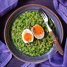 Nestíháte, nevíte, co vařit a potřebujete poradit? Dáme vám inspiraci na zdravé rychlé obědy, po kterých nepřiberete a zvládne je každý. Avocado Toast, Risotto, Vegetarian Recipes, Food And Drink, Low Carb, Meals, Vegan, Cooking, Breakfast
