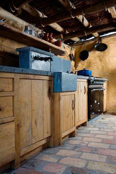 Kitchens | Dirk Cousaert oude wasbak arduin voor buitenkeuken