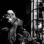 """A partir de mañana y hasta el 30 de agosto, el Museo de América, ubicado en Madrid, España, presenta:After Álvarez Bravo: Fotografía Mexicana Ahorita,un recorrido por 79 fotografías, de 17 autores, tomadas en los últimos 30 años en México.Rene Escalante, fotógrafo y curador de la muestra, comenta que la intención es """"hacer converger a fotógrafos …"""