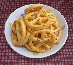 Onion Rings, Cooking Tips, Ham, Food And Drink, Pizza, Baking, Ethnic Recipes, Basket, New Years Eve