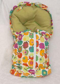 Super süßer und super praktischer Fußsack für Babyschalen:      Ich habe meinen Fußsack immer in der Babywanne des Kinderwagens verwendet. Ich fand...