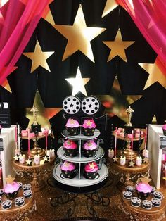 Themed treats at a Hollywood birthday party! See more party planning ideas at CatchMyParty.com! Hollywood Birthday Parties, Hollywood Theme, Birthday Party Themes, Red Carpet Theme, Red Carpet Party, Kino Party, Stumps Party, Cinema Party, Rock Star Party