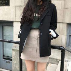 Learn About These Top korean fashion ideas 5011 Source by murzagiibundin outfits korean Korean Girl Fashion, Korean Fashion Trends, Korean Street Fashion, Ulzzang Fashion, Korea Fashion, Cute Fashion, Asian Fashion, Look Fashion, Petite Fashion
