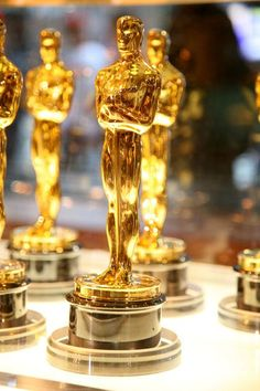 Not solid gold, no. Currently, the Academy Award statuettes are made of gold-plated britannium, an alloy that's mostly made of tin. The very first Oscar statuettes were made of gold-plated solid bronze. Hollywood Party, Hollywood Glamour, Oscar Party, Oscars 2014, It's All Happening, Oscar Night, Color Dorado, Lead The Way, Oscar Winners
