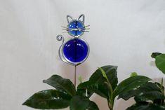 Hoi! Ik heb een geweldige listing gevonden op Etsy https://www.etsy.com/nl/listing/106393151/stained-glass-royal-blue-cat-plant-stake