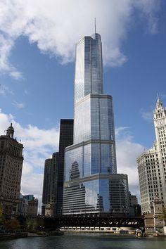 Trump International Hotel & Tower, Chicago, IL. Designed by Adrian Smith.