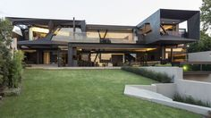 Kloof Road House in Bedfordview, South Africa by Nico van der Meulen Architects
