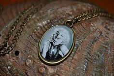ivamurinova / Náhrdelník Marilyn Monroe Marilyn Monroe, Pocket Watch, Pendant Necklace, Accessories, Jewelry, Jewlery, Jewerly, Schmuck, Jewels
