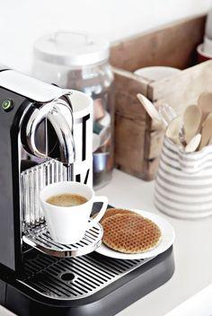 10x Koffie hoekje in de keuken + must haves - Makeover.nl