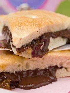 Σάντουιτς σοκολάτας Sweet And Low, Special Recipes, Churros, Chocolate Recipes, Fun Desserts, Truffles, Sandwiches, Cooking Recipes, Sweets
