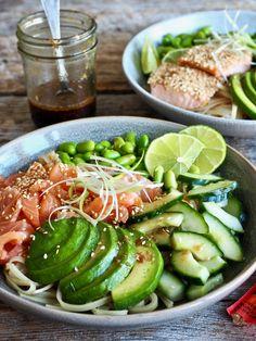 Teriyaki-nudler med laks (rå eller stekt) Edamame, Recipes From Heaven, I Love Food, Cobb Salad, Cucumber, Cheddar, Nom Nom, Salmon, Food Dinners