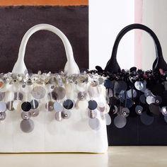 Borse Prada 2016 2017 collezione autunno inverno: catalogo Prada borse 2017 con Cahier bag e Pionnière come nuove it bag della stagione, qui foto e prezzi.