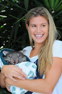 Genie Bouchard holds a baby wombat during the 2014 Australian Open, 21 January #WTA #Bouchard #AUSOpen