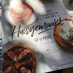 Aan het bladeren in dit heerlijke boek. Eten bij @laplace_nl, volgens mij hebben we er allemaal fijne herinneringen aan. Het voelt bijna nostalgisch. Met dit boek kun je een groot deel van de recepten zelf maken. Een review kun je dan ook spoedig verwachten 😍 #fontaineuitgevers