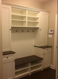 No matter the size of your household, odds are that the entry of your home easily becomes cluttered with the everyday necessities: bags, shoes, hats, etc. #Mudroom