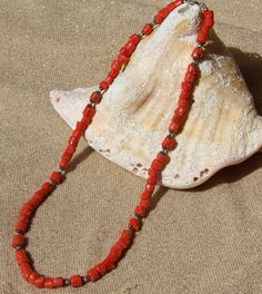 collier en Corail rouge véritable Corse (corallium rubrum) : Collier par les-tresors-de-la-corse