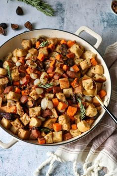 This Sweet Potato, Fig, and Rosemary Stuffing is sweet, savory, and hearty. It would make a fantastic vegan addition to your Thanksgiving table! Sweet Potato Dishes, Thanksgiving Recipes, Vegetarian Thanksgiving, Thanksgiving Table, Christmas Recipes, Holiday Recipes, Dried Figs, Microwave Recipes, Stuffing Recipes