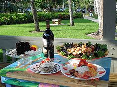 Blue Giraffe Island Dining. A great place to take the kids when visiting Sanibel Island, FL.