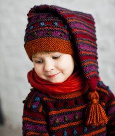Täysvillainen Täplä-hiippalakki lämmittää yhtä suloisesti niin tyttöjä kuin poikiakin.Malli: Hanna TamminenToteutus: Helena Haapanen ja Riitta Baby Hats Knitting, Knitting For Kids, Knitted Hats, Disaster Movie, Kids Hats, Handicraft, Little Ones, Knit Crochet, Diy And Crafts