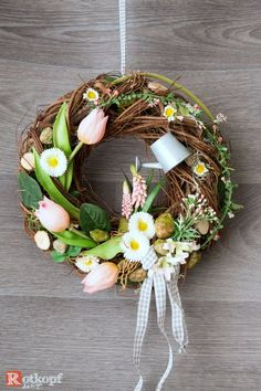 Türkranz Frühling mit Gießkanne A durable door wreath with silk flowers, different ribbons, wood heart, small watering can, dried materials and many details that want to be discovered. Spring Door Wreaths, Easter Wreaths, Seasonal Decor, Fall Decor, Easter Crafts, Silk Flowers, Flower Pots, Christmas Holidays, Diy And Crafts