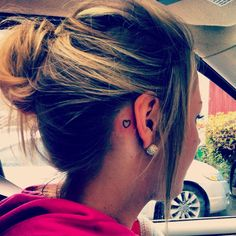 Tiny heart behind the ear<3 Love it & I want to get it.