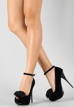 Love ankle straps :)