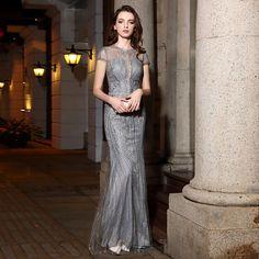 e299db066a Elegancka Srebrny Sukienki Wieczorowe 2019 Syrena   Rozkloszowane Wycięciem  Wykonany Ręcznie Frezowanie Rhinestone Z Koronki Kótkie